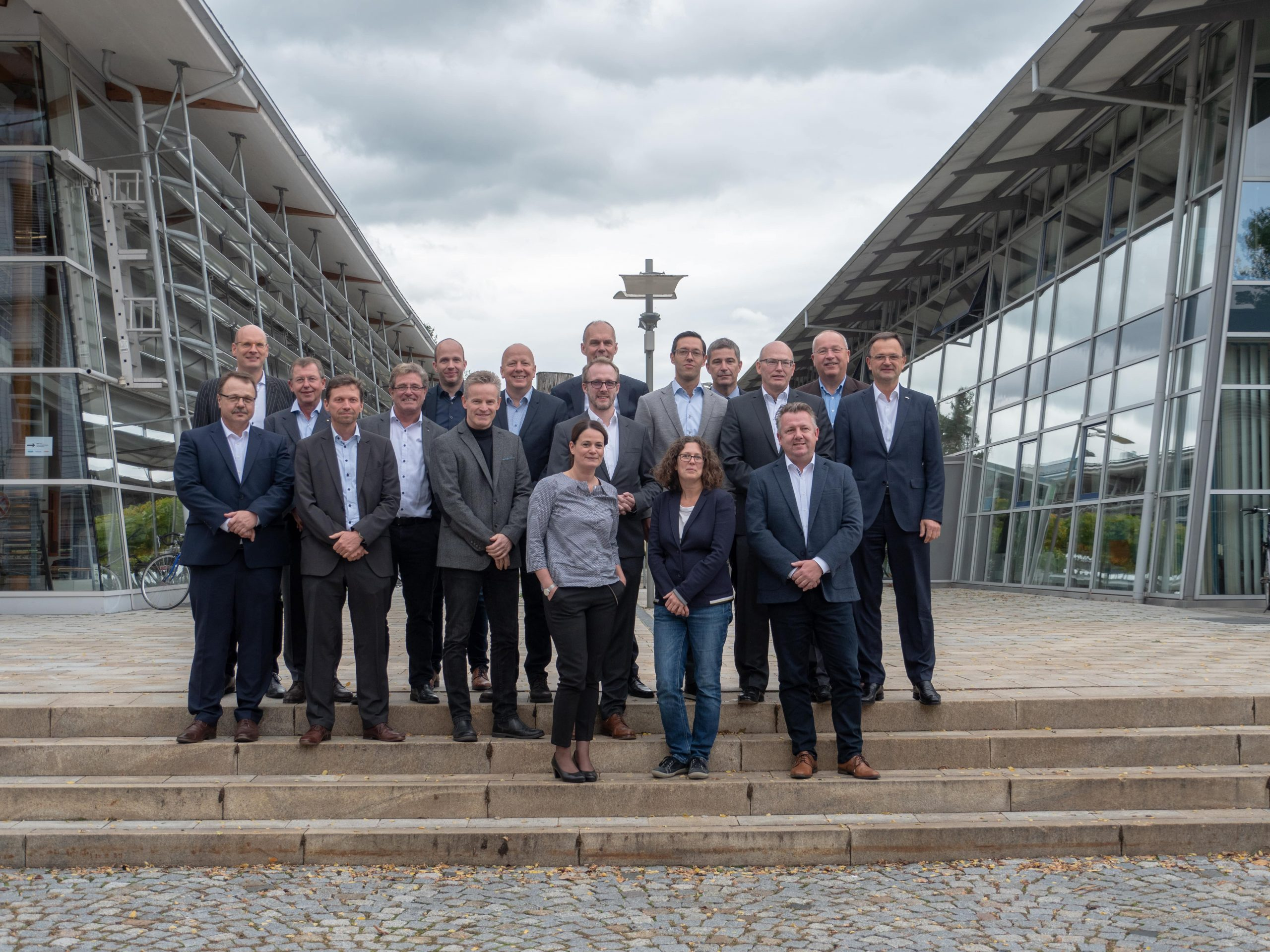 Siempelkamp and TH Rosenheim, Industrial advisory board for wood technology: The industry's Premier League develops and seeks young talents